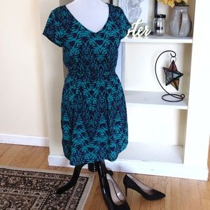 Lily Rose Patterned Midi Dress w/ Sleeves
